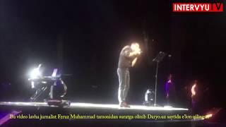 Jahongir Otajonov konsertini noqonuniy tasvirga olayotgan tasvirchini ushladi